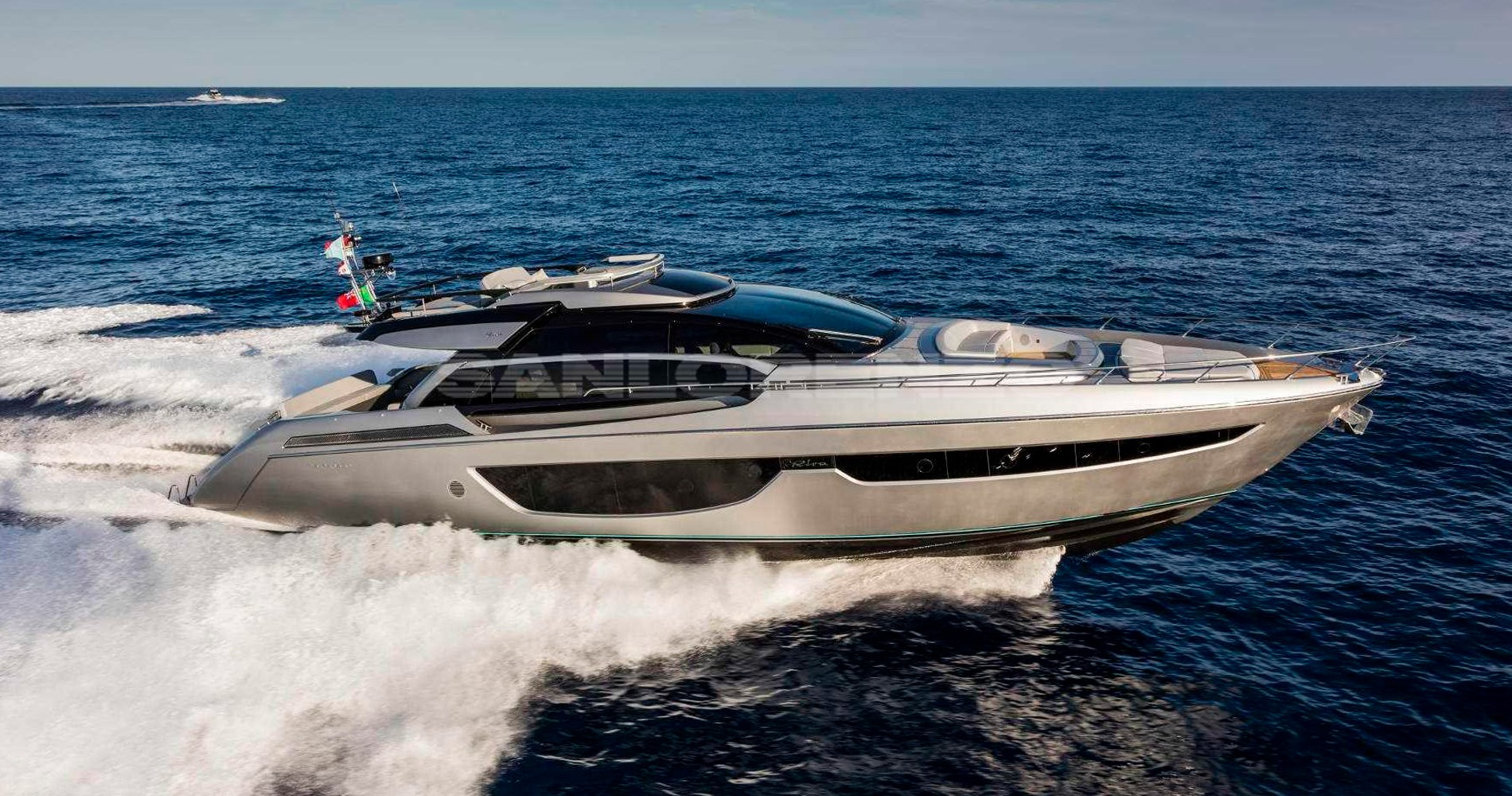 Riva Perseo 76 - 2016 - used boats - Lux Yachts
